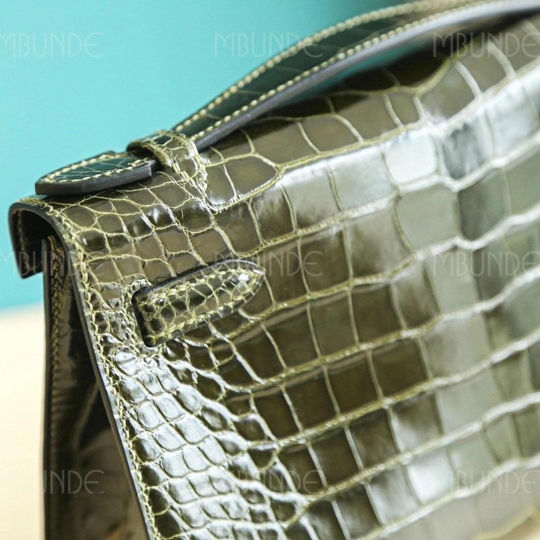 Hermes Kelly Pochette 1代 手拿包  亮面方块鳄鱼 全手工 6H 橄榄绿 银扣